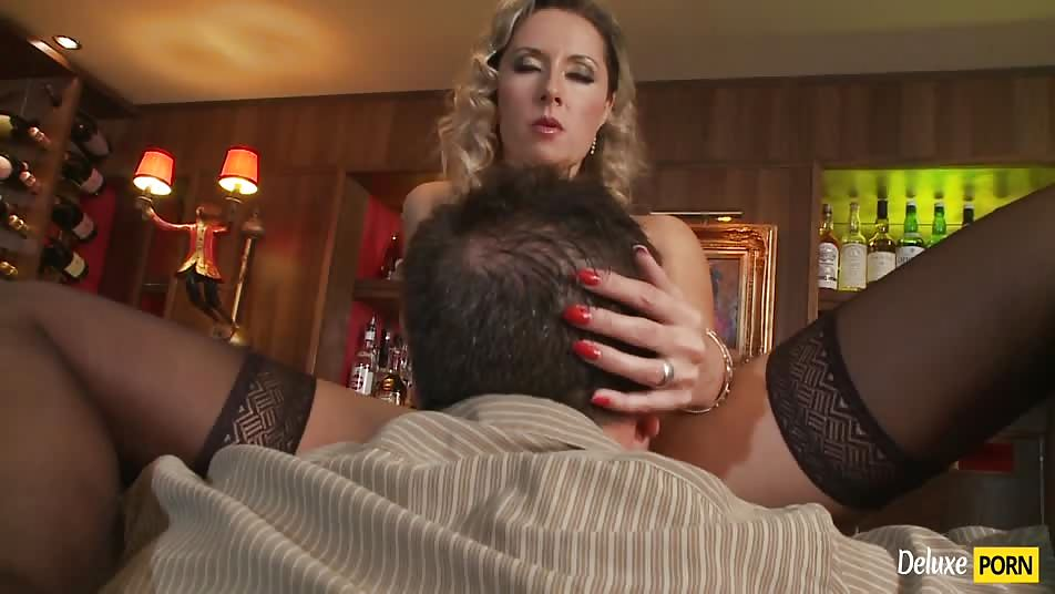 Lustful Milf Daria Glower Gets Her Ass Fucked At The Bar