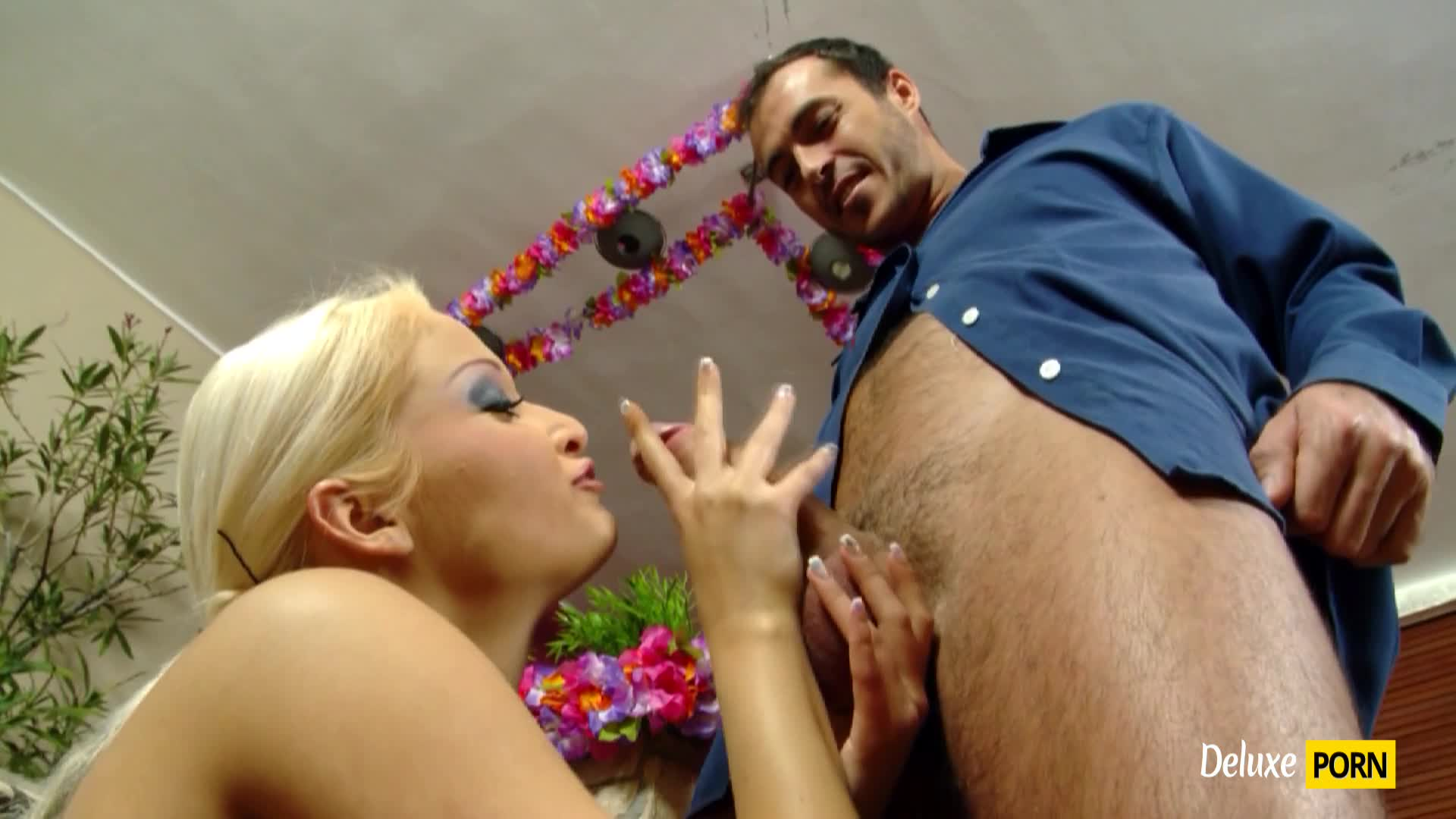 Sexy Ksara takes a huge shaft of her cable repairman